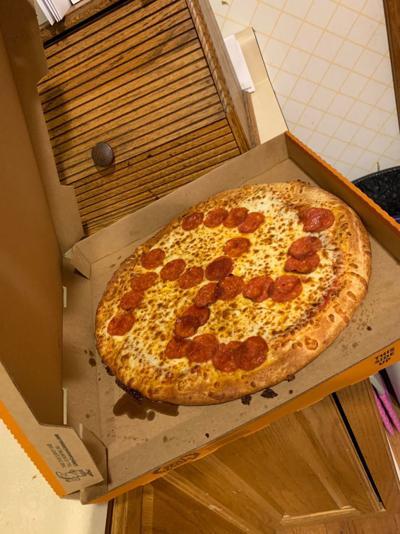 pizza con simbolo nazi