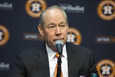 Astros siguen adelante tras penalizaciones de MLB