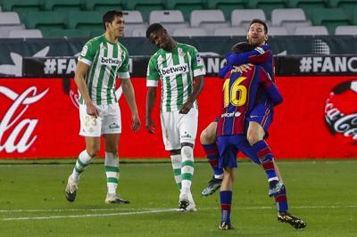 Messi rescata al Barcelona