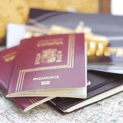 Gran Bretaña volverá al pasaporte azul