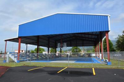 Naguabo inaugura remodelada cancha afectada por el huracán María