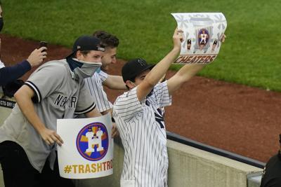 Yanquis vencen a unos Astros abucheados en el Bronx