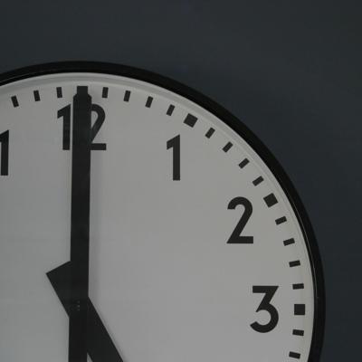 Ajustan Reloj del Apocalipsis más cerca de la medianoche
