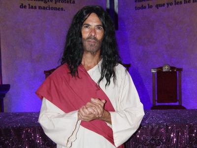 Bendecido de  interpretar a Jesús