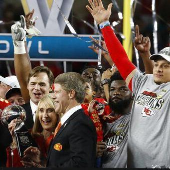 NFL examina negociaciones con sindicato de jugadores