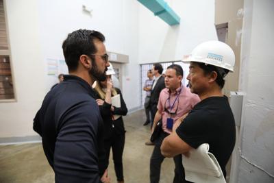 Experto en sismos inspecciona Complejo Correccional de Ponce