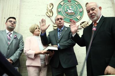 Juramenta el sustituto del representante Guillermo Miranda