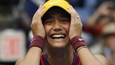 Emma Raducanu frena a Leylah Fernández y es monarca del US Open