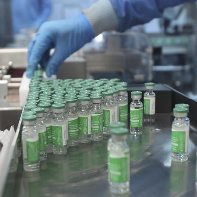 Productor indio de vacunas pide a Estados Unidos que levante embargo