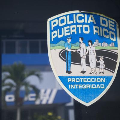 Seis sujetos se hacen pasar por policías para asaltar una residencia