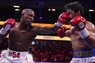 Yordenis Ugás vence a Manny Pacquiao por decisión unánime