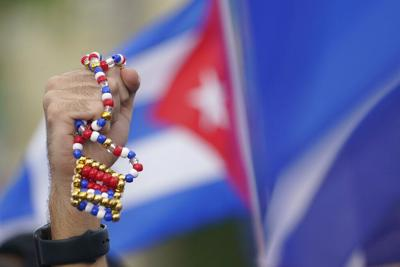 El gobierno de Cuba reconoce que hay escasez y autoriza la importación sin límite de alimentos y medicinas