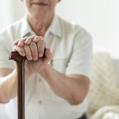 Los hogares de envejecientes no consiguen empleados