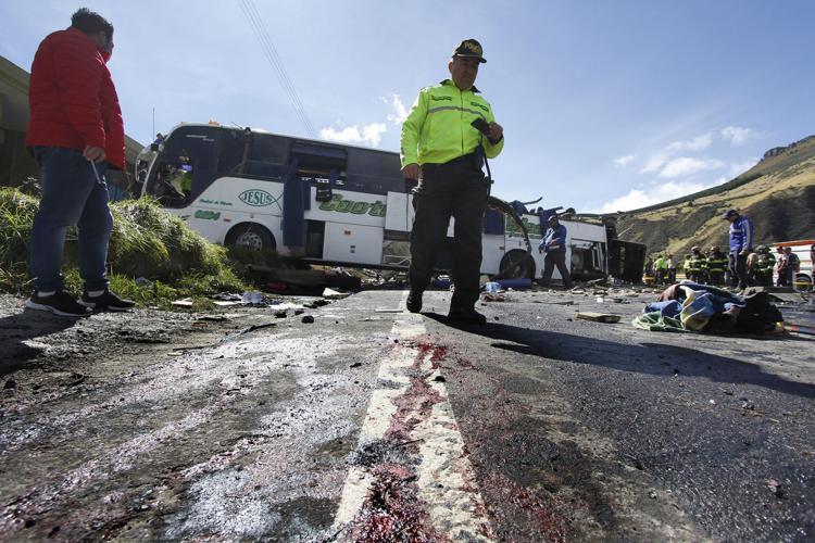 Al menos 16 muertos por accidente de bus en Venezuela