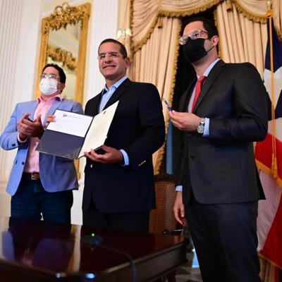 El gobernador convierte en ley el aumento al salario mínimo
