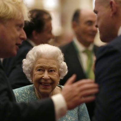 La reina Isabel cancela un viaje por recomendación médica
