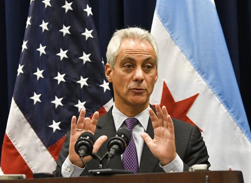 Chicago dice que rechazará chantaje de gobierno federal