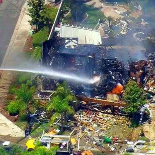 Explosión en residencia causa la muerte de una persona en California