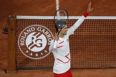 Djokovic avanza en el Abierto de Francia