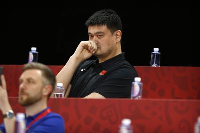 NBA quiere hablar con Yao Ming para limar asperezas con China