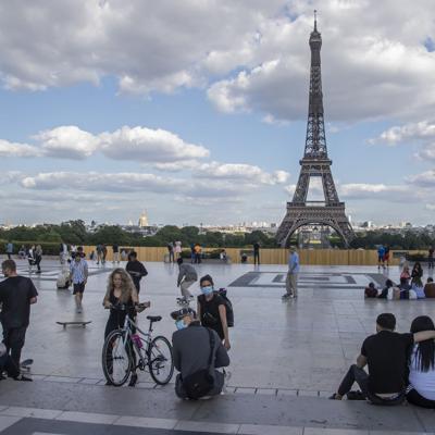 Francia trabaja en app para rastrear casos de coronavirus