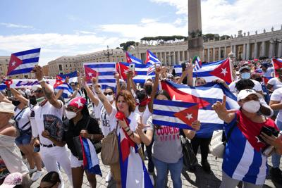 Denuncian que cientos de detenidos en las protestas en Cuba son juzgados en procesos sumarios