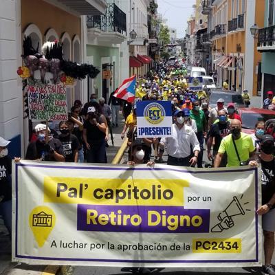 Marcha por un Retiro Digno reúne a cientos de manifestantes