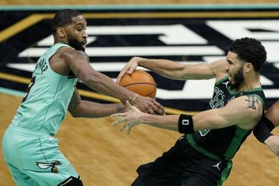 Hornets se vengan de los Celtics