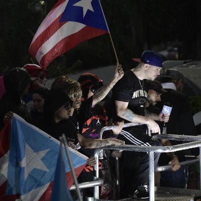 Manifestación en repudio a gobierno de Vázquez llega a La Fortaleza
