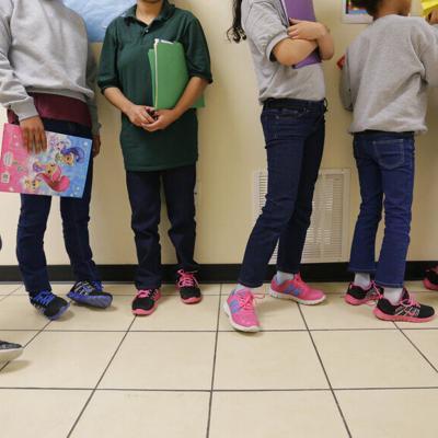 Estados Unidos aumenta capacidad para albergar a niños migrantes