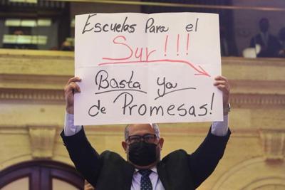 pancarta en mesnaje de estado