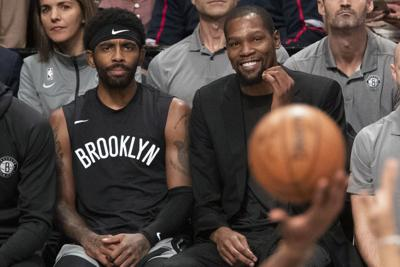 Nets no descartan a Durant e Irving si la NBA reanuda