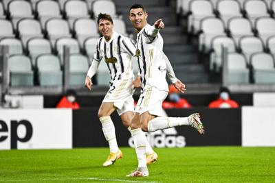 Cristiano celebra cumpleaños con victoria de la Juve