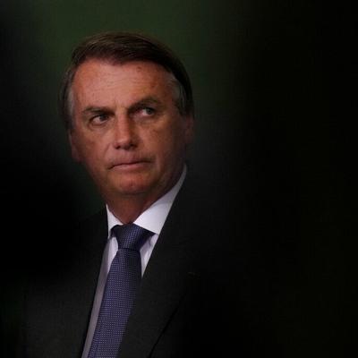 Senado de Brasil vota si presenta cargos criminales contra el presidente por el mal manejo del covid