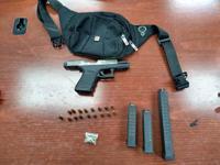 Arrestan a una joven en posesión de arma y municiones en Mayagüez