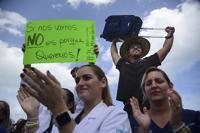 Exigen acción para detener la fuga de dentistas