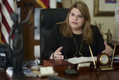 Jenniffer González cruza dedos por los fondos de emergencia