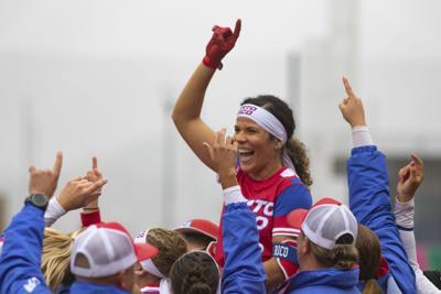 Novena de sóftbol femenino asegura bronce