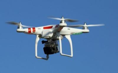 China mide la temperatura de las personas en cuarentena con drones