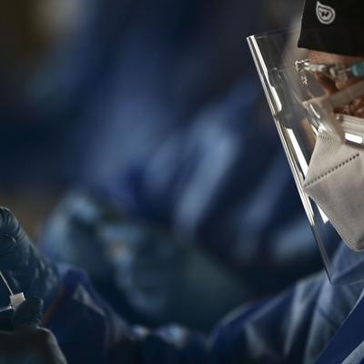 Salud reporta tres muertes y 1,438 casos adicionales de covid-19