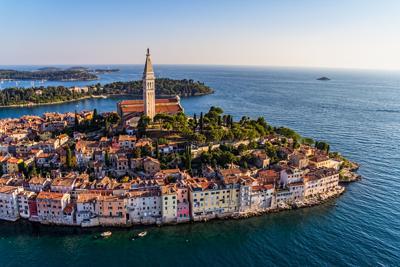 Llegan los turistas a Croacia