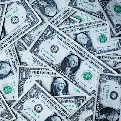 Diez emprendedores reciben $5,000 para sus negocios