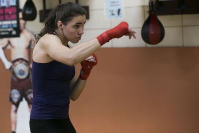 Preparada Stephanie Piñeiro para su debut como profesional