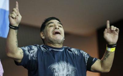Maradona llega a Venezuela y es recibido por Maduro