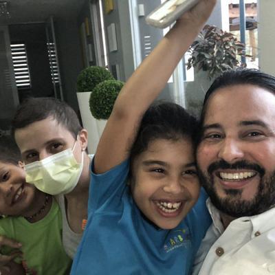 Alcalde de Villalba pide oración por su esposa
