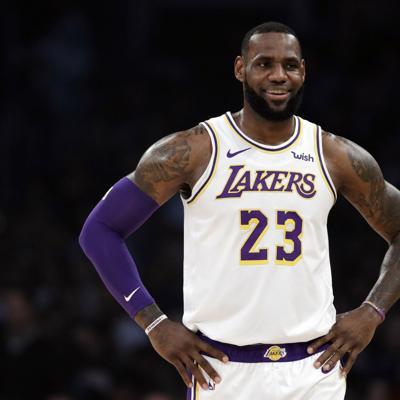 Equipos de la NBA comienzan a entrenar en la burbuja