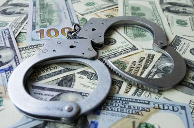 Cargos por millonario fraude