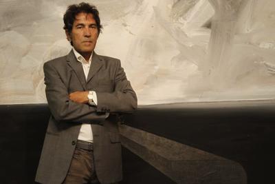 Un artista italiano subasta una escultura invisible y se la compran por $18,000