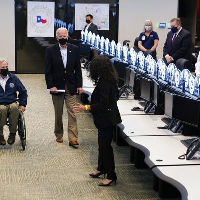 Biden inspecciona daños por tormenta invernal en Texas