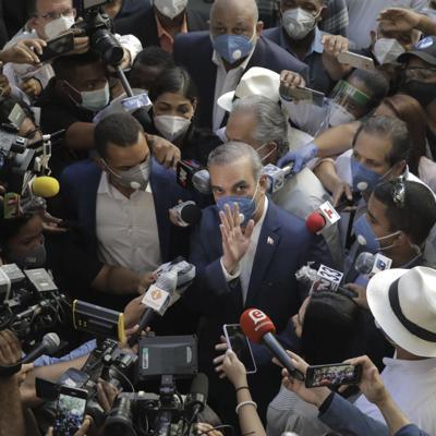 Presidente de República Dominicana felicita a Luis Abinader